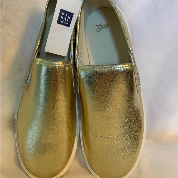 GAP Factory Other - Gap Kids Girl's Slip-On Gold Shoes Sz 4 NWT